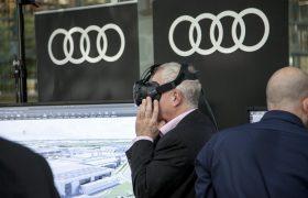 Besucher testet VR-Anwendung